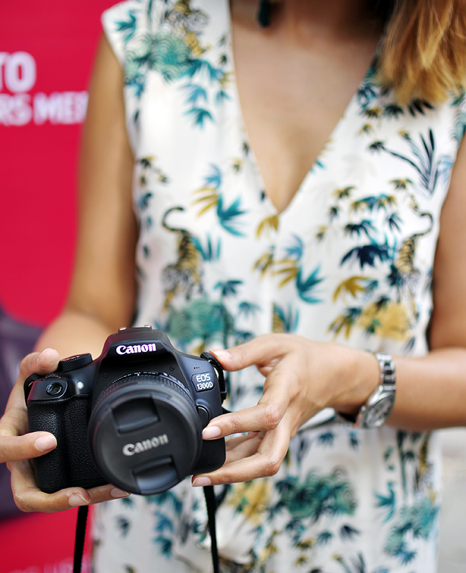 Canon EOS 1300D | Akanksha Redhu | #ReadyWithEOS1300D | holding camera in front
