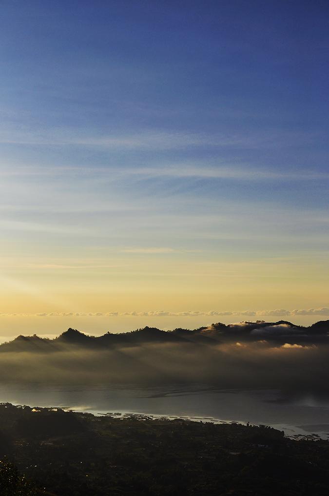 Mount Batur Sunrise Trek | Bali | Akanksha Redhu | light rays through hills long
