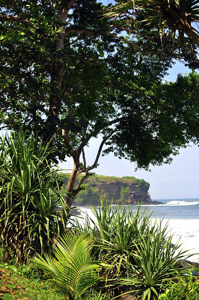 Soka Beach Bali | Akanksha Redhu | soka cliff long