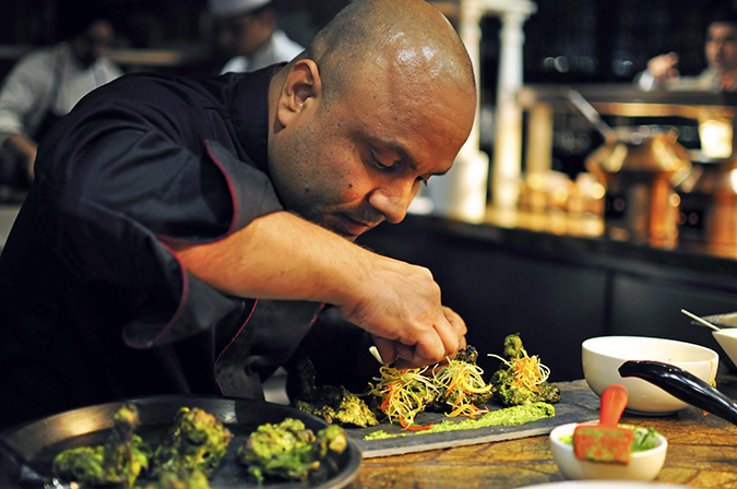 JW Marriott |Chef Vivek Bhatt | Akanksha Redhu | chef plating murg wide