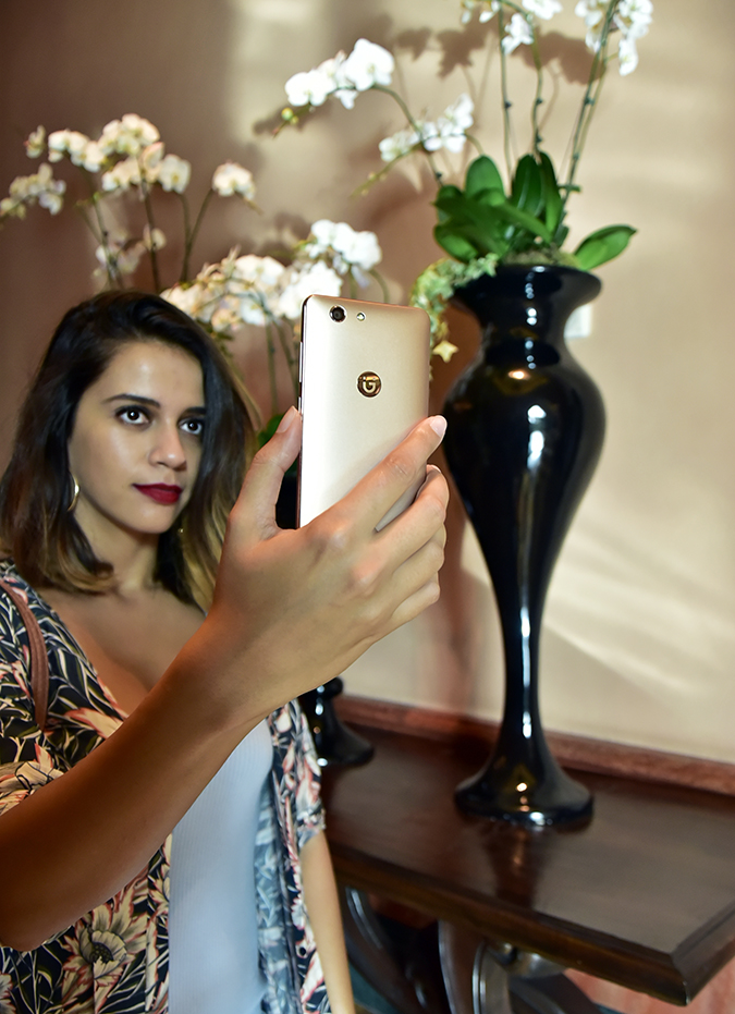 Gionee F103 Pro | Akanksha Redhu | selfie with orchids