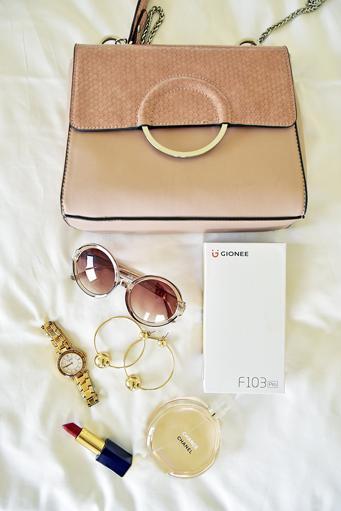 Gionee F103 Pro | Akanksha Redhu | flatlay with bag carton
