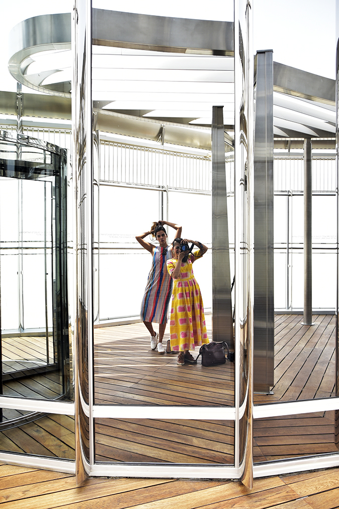 Emirates Holidays | Dubai | Akanksha Redhu | burj khalifa sisters in mirror