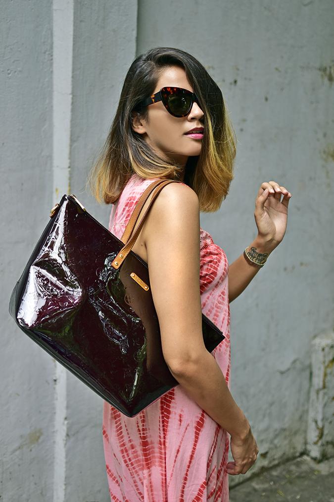 Sbuys | Akanksha Redhu | half side bag on shoulder