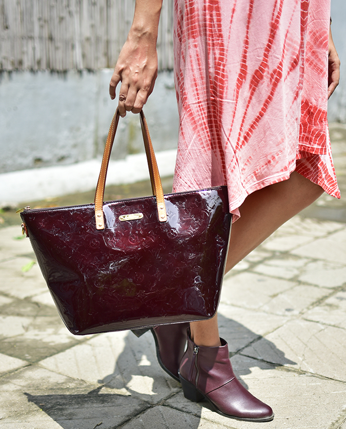 Sbuys | Akanksha Redhu | bag in sun