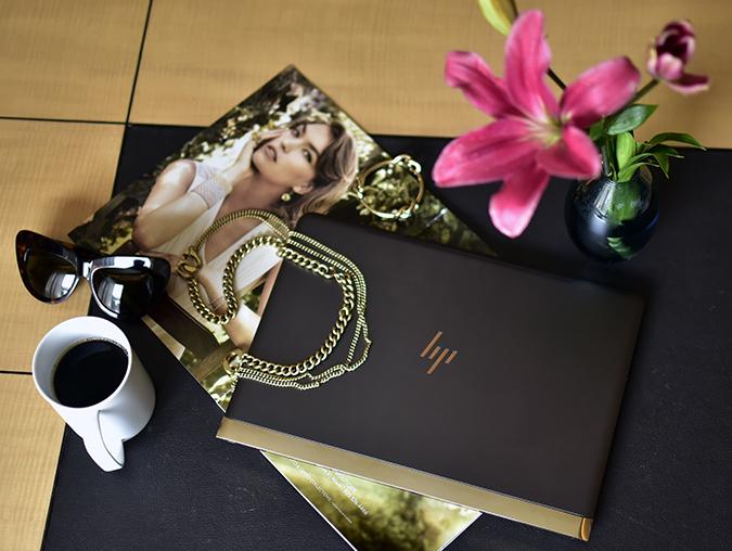 Reinvent Obsession | HP | Akanksha Redhu | flatlay flowers