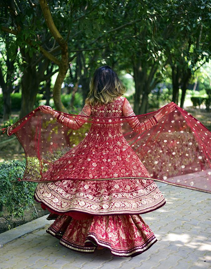 Tarun Tahiliani | Akanksha Redhu | full back dupatta twirl