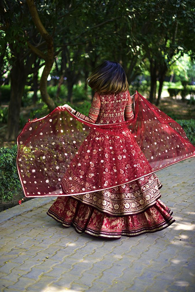 Tarun Tahiliani | Akanksha Redhu | dupatta twirl 2