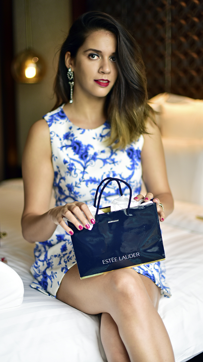 #BornFromColor | Estée Lauder | Akanksha Redhu | sitting with goody bag