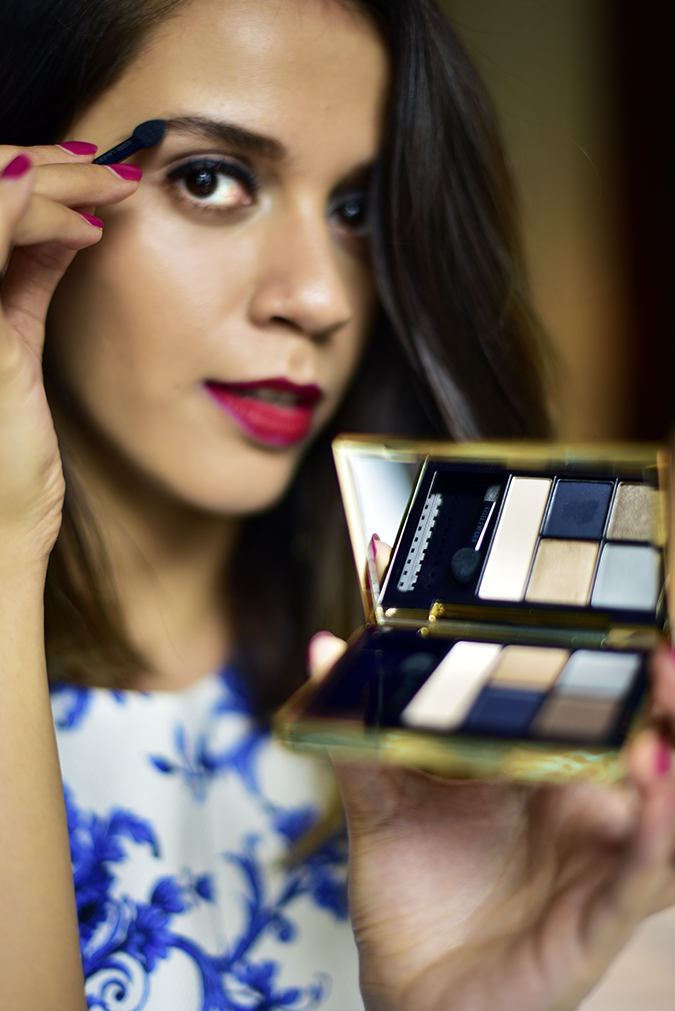 #BornFromColor | Estée Lauder | Akanksha Redhu | applying eyeshadow
