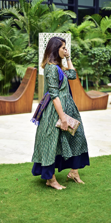 Amazon India Modern Festive | Akanksha Redhu | full side holding clutch