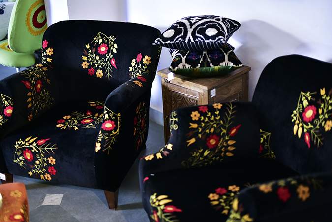 Serendipity Delhi | Akanksha Redhu | black couches