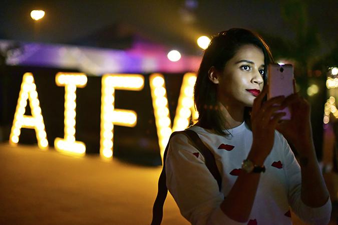 Coolpad India | Akanksha Redhu | taking flash selfie at night