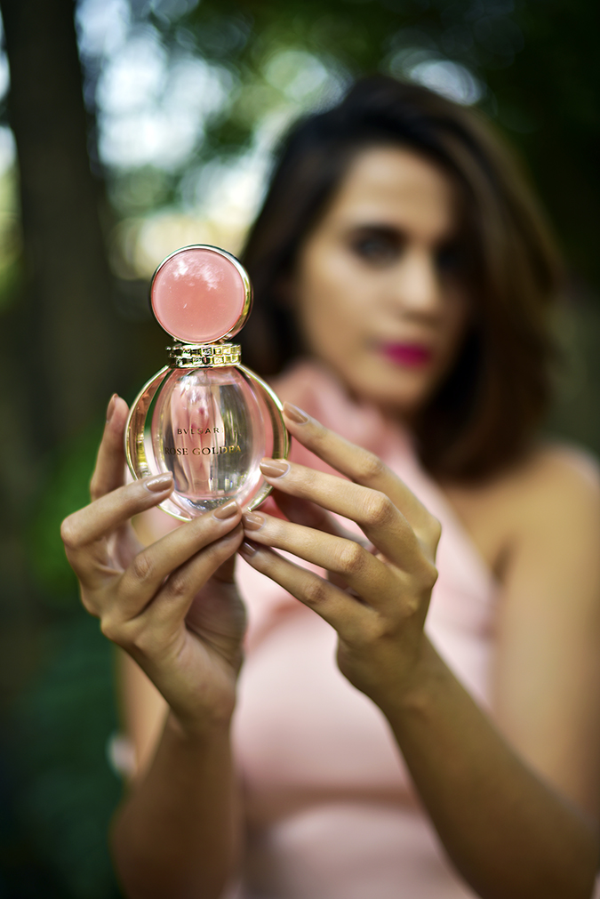 Bvlgari Rose Goldea | Akanksha Redhu | holding bottle front focus