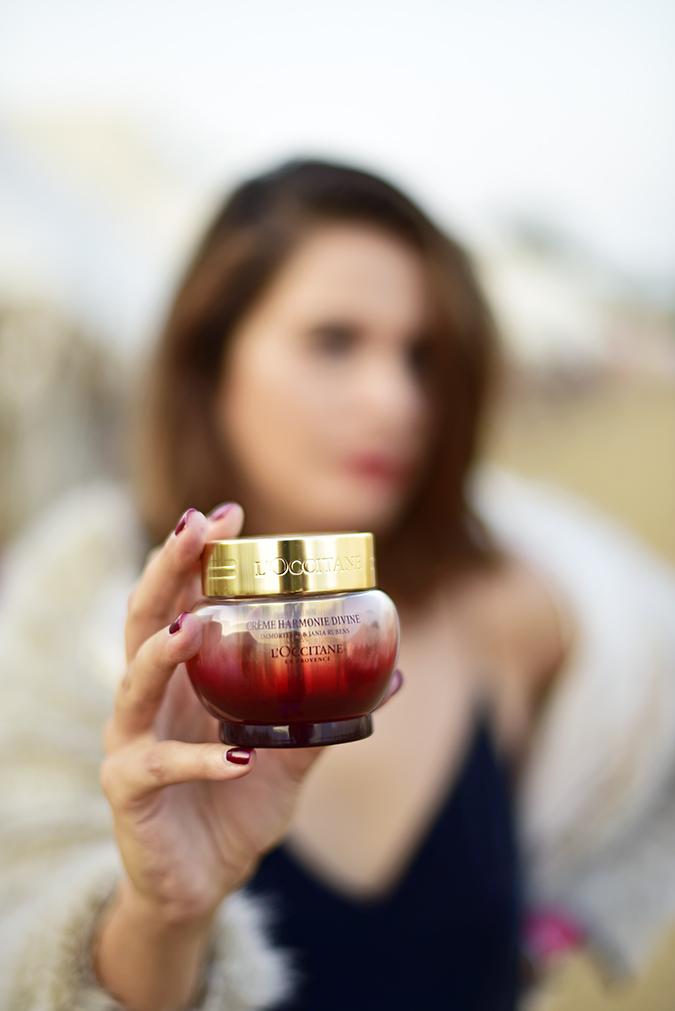 L'Occitane Harmonie Divine | Akanksha Redhu | holding cream in focus
