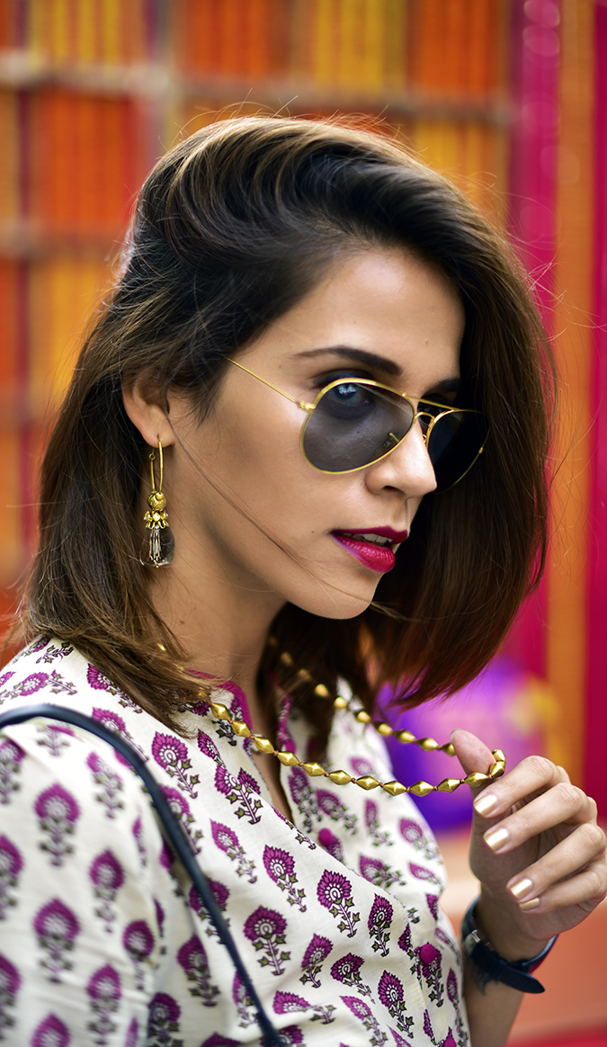 Myx | Amazon | Akanksha Redhu | necklace in hand face