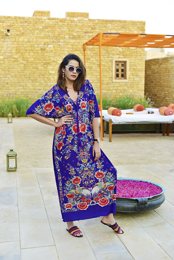 #ShowYourVogue | Akanksha Redhu | full front patio
