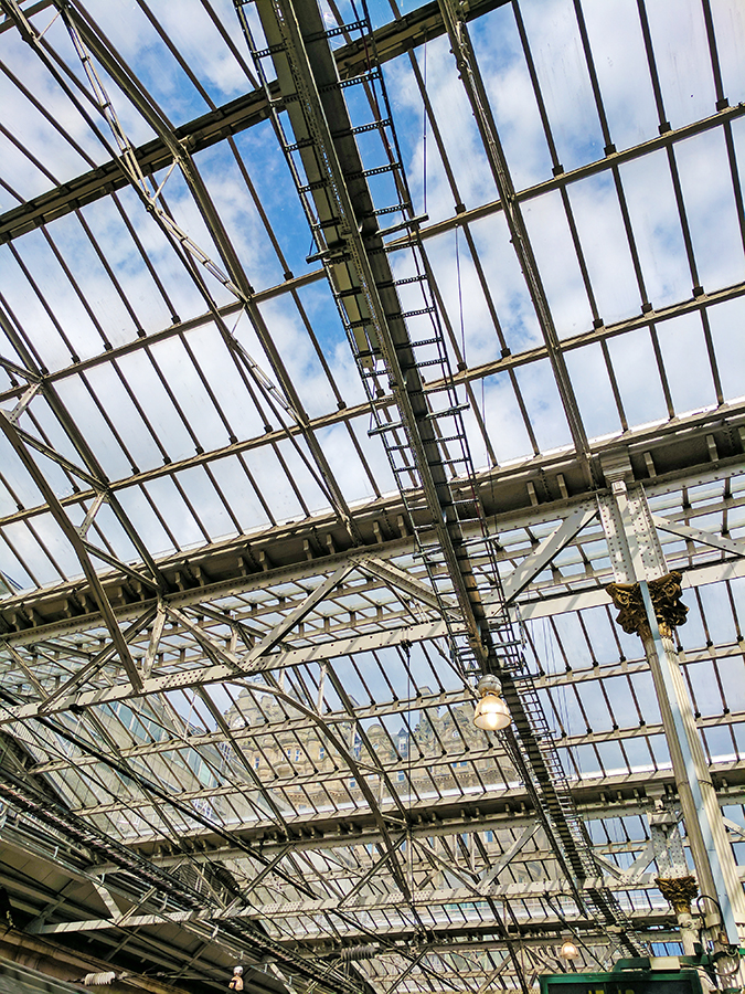 Edinburgh | Akanksha Redhu | roof of waverly train station