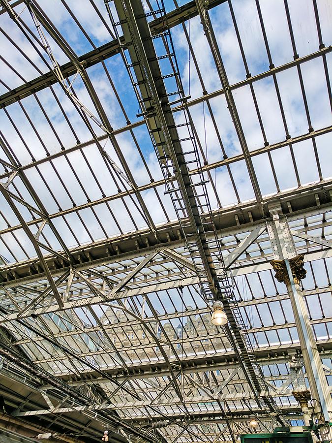 Edinburgh | Akanksha Redhu | roof of waverly train station