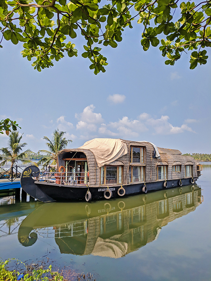 Kerala Backwaters | Vayalar | houseboat pic
