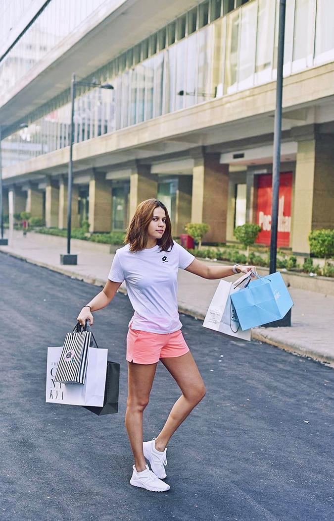 Lotto LIFE'S | Akanksha Redhu | shopping full close