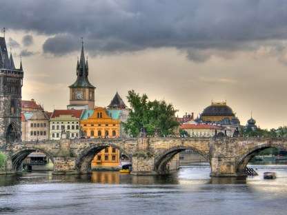 prague-old-town-before