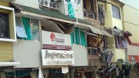 Klinik kecantikan rusak terkena dampak ledakan