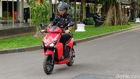 Jokowi saat menjajal Gesits