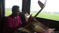 Pesawat dari Styrofoam Bekas Buatan Banjarnegara Dijual ke Malaysia