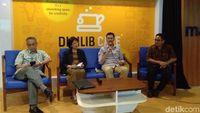Konferensi pers di Digilib Cafe Fisipol UGM.