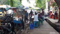 Gerai Makanan Masih Bebas Jualan Saat Ramadhan Depan RSUD Pekanbaru