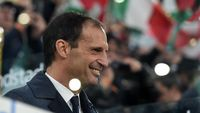 TURIN, ITALY - MAY 19: Head coach Massimiliano Allegri of Juventus looks on during the Serie A match between Juventus and Atalanta BC on May 19, 2019 in Turin, Italy. (Photo by Tullio M. Puglia/Getty Images)