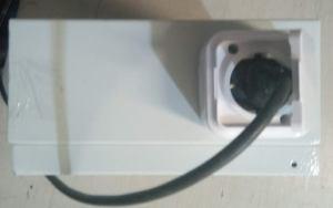 jelektroshhit s bytovymi rozetkami 220V