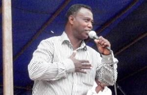 Léonce NGABO à la Fete de la Musique 2011 @ photo Béni NKOMERWA www.akeza.net