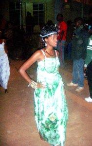 Ingrid Maëlle en plein défilé @ Photo Béni NKOMERWA