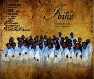 Face arrière de la pochette de l'album IBIHE de H.M. (www.akeza.net)