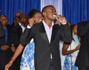 David sur scène (www.akeza.net)