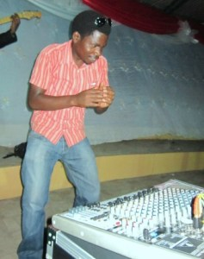 Bosco N. , membre du groupe Peace and Love (www.akeza.net )