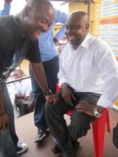 Cedric B. et Kidum au CMM à Kinama (www.akeza.net)