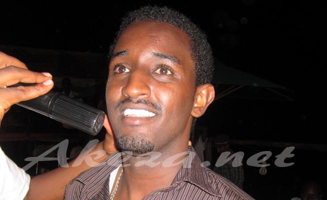 Yoya,l'un des chanteurs en finale des auditions TPF5 (www.akeza.net)