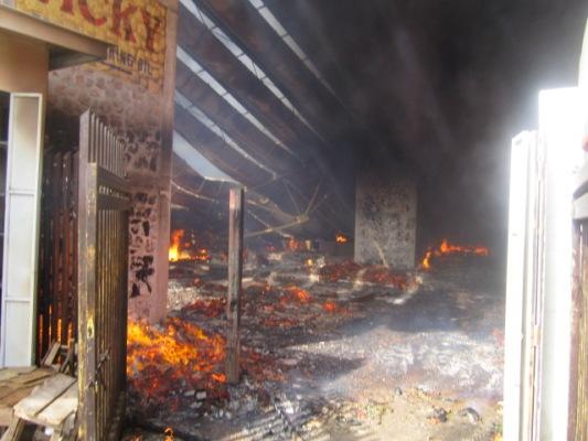 Le marché central de Bujumbura a brulé : constatez l'ampleur des dégâts (www.akeza.net)