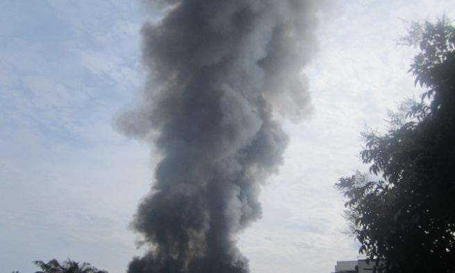 La fumée , alors que le marché central de Bujumbura se consumait (www.akeza.net)