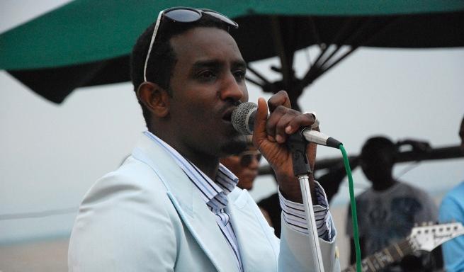 Le chanteur Yoya parle de son agression (www.akeza.net)