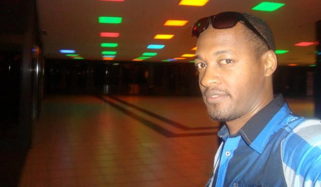 Kent , celui qui a lancé la discussion (www.akeza.net)