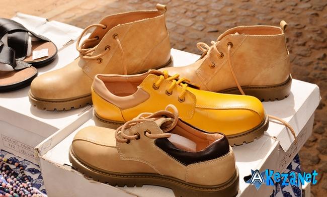 Les chaussures «Made in Burundi» mises en vente.©Akeza.net