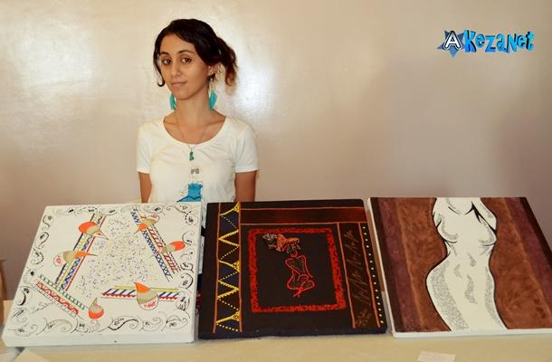 Zue Salim pendant l'exposé de la journée «foire des artistes»©Akeza.net