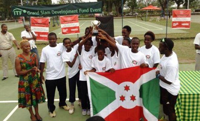 Les juniors qui ont remportés les médailles.(www.akeza.net)