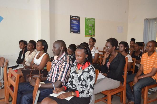 Le public dans l'une des séances organisées. ©Akeza.net