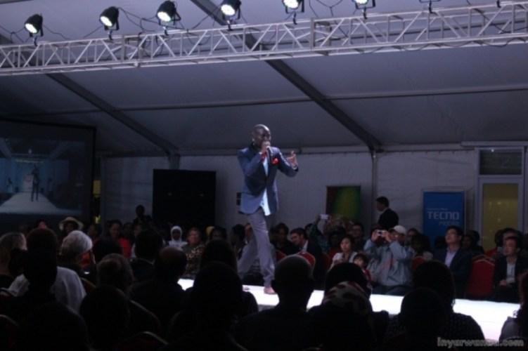 Dr Claude sur scène durant l'événement ©Inyarwanda.com
