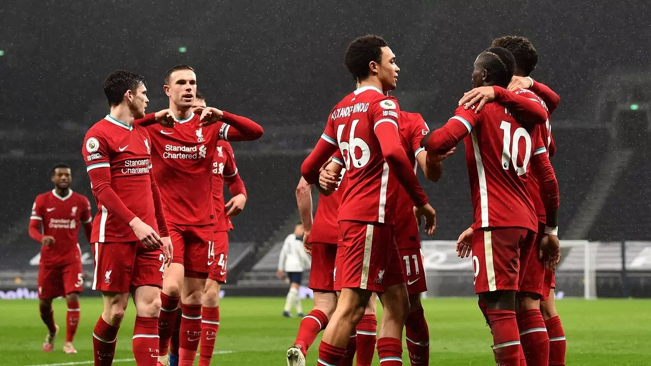 تشكيلة ليفربول أمام وست هام يونايتد صلاح أساسيًا